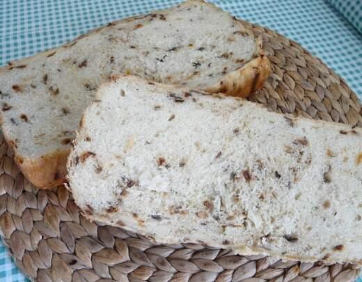 Cibuľový chlieb z pece