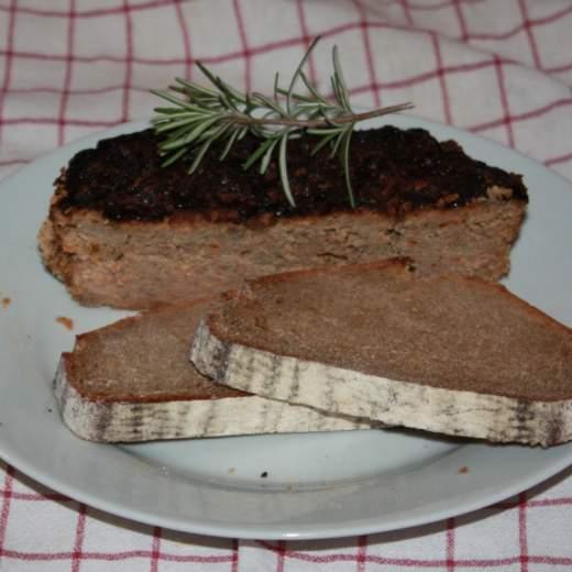Pečeňová paštéta pečená v peci